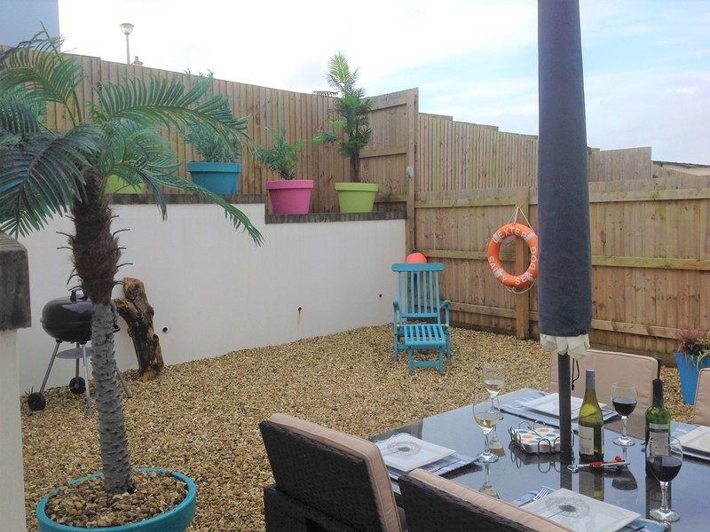 A view towards the enclosed rear garden