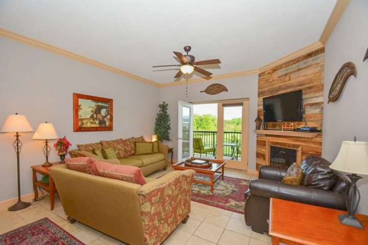 The decor is wonderful, and open floor plan offers plenty of your guests to relax