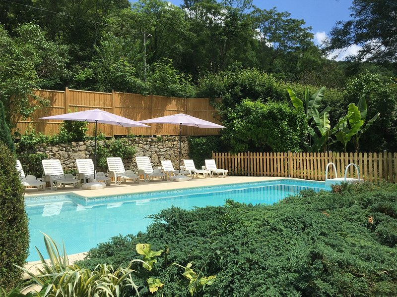 MOULIN A PAPIER AVEC PISCINE PRIVÉE EN PERIGORD, holiday rental in Naussannes