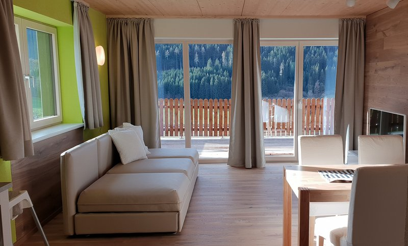 Ferienbungalow Mountain View Wood, holiday rental in Sankt Gallen