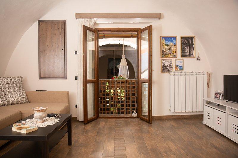 PORTICO57 Holiday apartment, Ferienwohnung in Roccapiemonte
