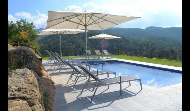 Ripoll Villa Sleeps 24 with Pool - 5622486, aluguéis de temporada em Campdevanol