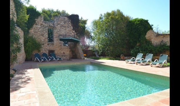 Valls Villa Sleeps 6 with Pool - 5622413 – semesterbostad i Nulles
