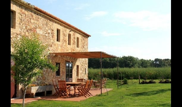 Girona Villa Sleeps 6 with Pool and Air Con - 5623896, vacation rental in Sant Gregori