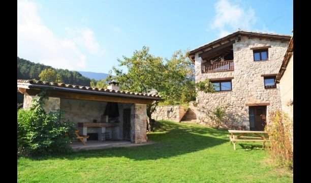 Saldes Villa Sleeps 8 with Pool - 5622479, vacation rental in Bellver de Cerdanya