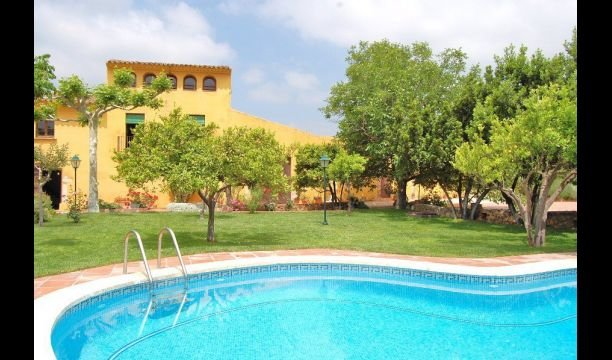 Maspujols Villa Sleeps 16 with Pool - 5839762, casa vacanza a Arboli