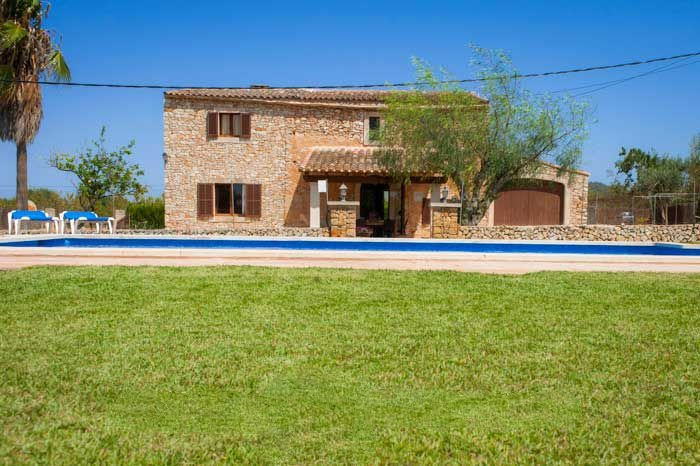 Cas Concos Farmhouse Sleeps 8 with WiFi - 5000783, vacation rental in Cas Concos