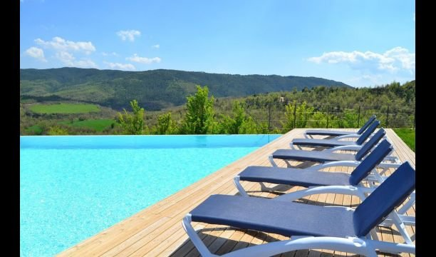 Santa Maria de Merles Villa Sleeps 12 with Pool and Air Con - 5622292, holiday rental in Olvan
