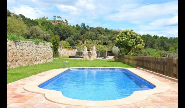 L'Ametlla del Valles Villa Sleeps 5 with Pool - 5623072, holiday rental in Olvan