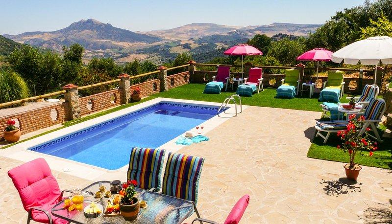Grazalema Villa Sleeps 6 with Pool and WiFi - 5604483, vacation rental in Grazalema