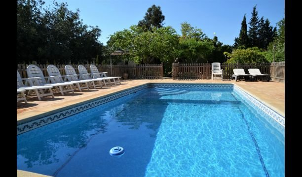 El Perello Villa Sleeps 12 with Pool - 5623105 – semesterbostad i Miravet