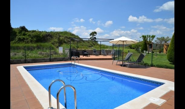 Puig-reig Villa Sleeps 8 with Pool - 5771309, alquiler vacacional en Cardona