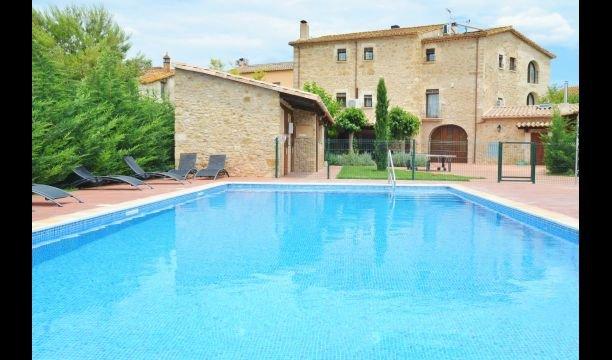 Cornella del Terri Villa Sleeps 27 with Pool and Air Con - 5838607, aluguéis de temporada em Centenys