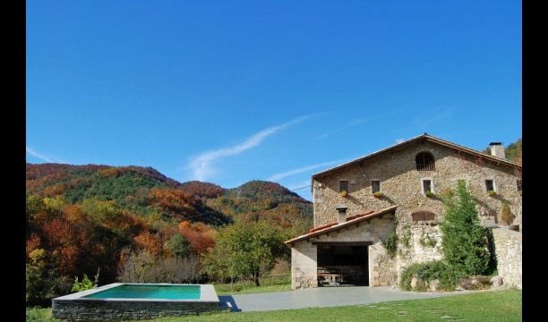 Sant Pau de Seguries Villa Sleeps 10 with Pool - 5622449, alquiler vacacional en Vidrà