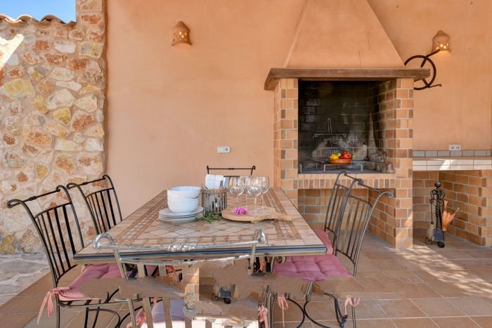 Calonge Farmhouse Sleeps 4 with Pool Air Con and WiFi - 5000729, holiday rental in Calonge