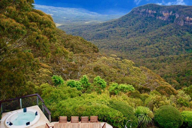 Amaroo Mountaintop Villa, vacation rental in Katoomba