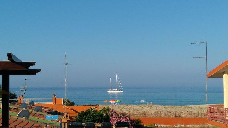 Casa panoramica a due passi dal mare, location de vacances à Solanas