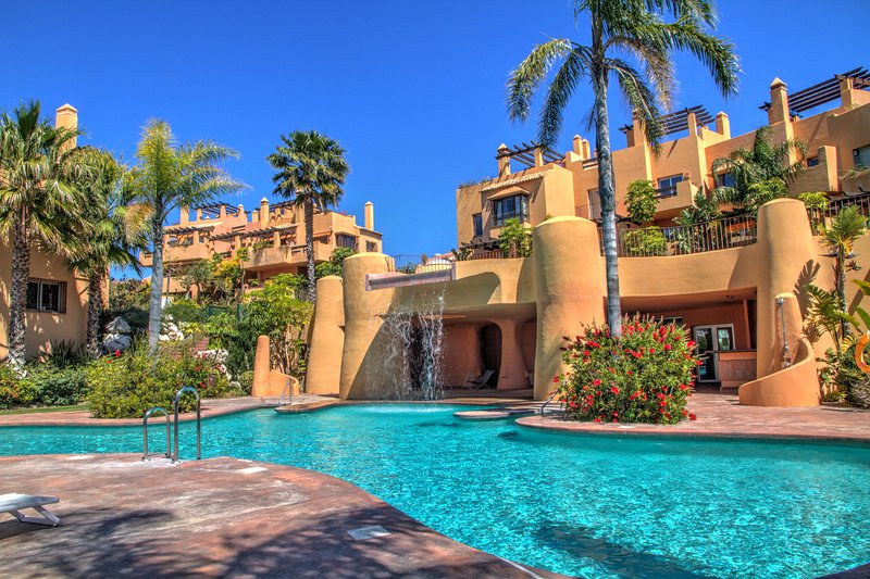 5 bedroom Vacation Townhouse with sea views, pool, vacation rental in Mijas