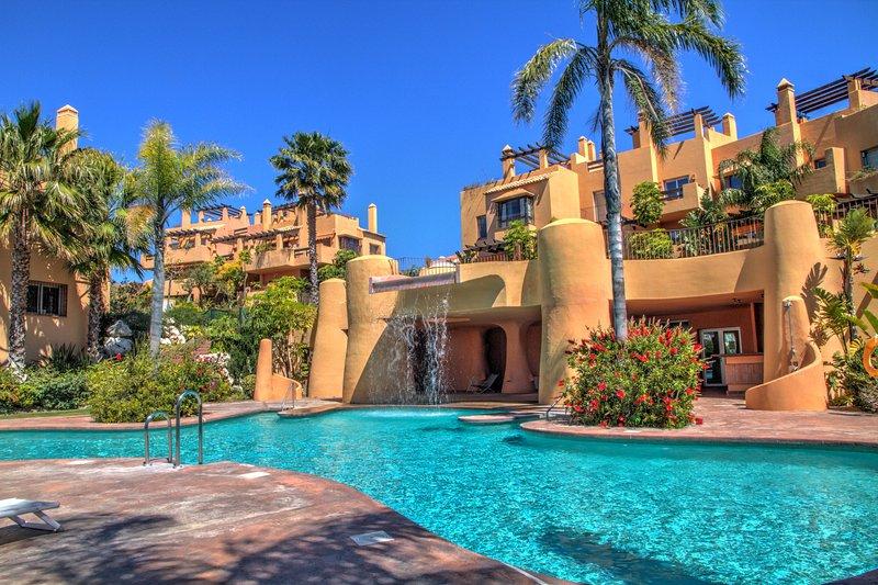 Piscina comunale 5 camere da letto casa per le vacanze con piscina e vista sul mare a Mijas Costa, Costa del Sol, in Spagna