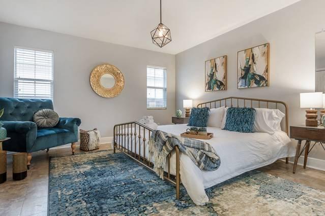 'The Vintage'- Stylish Midcentury Modern 4 Bedroom, location de vacances à Tampa