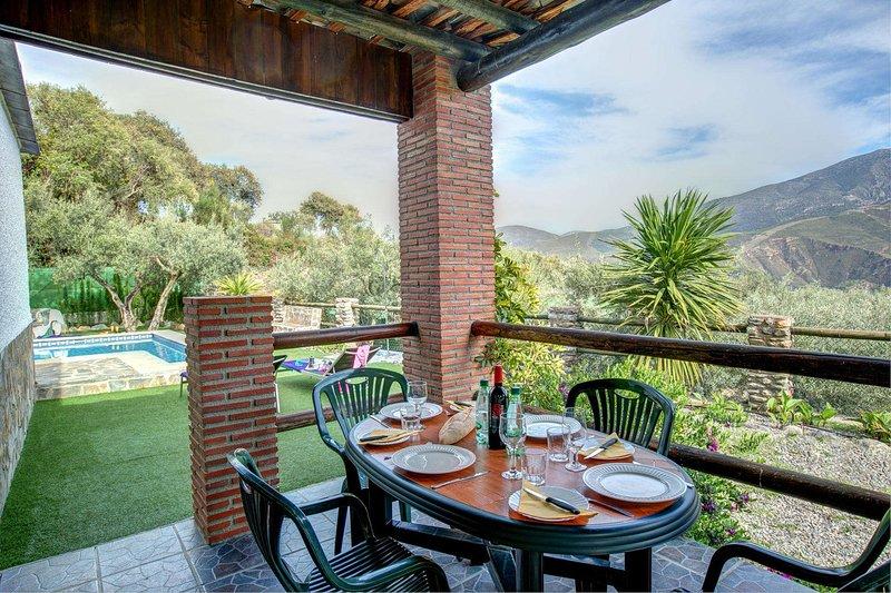 Orgiva Villa Sleeps 4 with Pool Air Con and WiFi - 5604487, holiday rental in Carataunas
