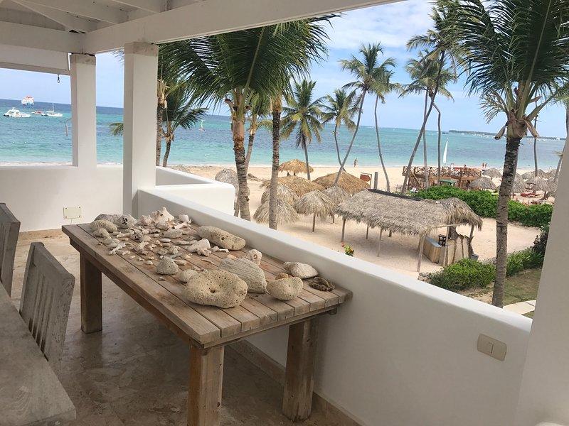 ★★★★★ Beachfront ocean view Villa 4 bdr WiFi, holiday rental in Bavaro