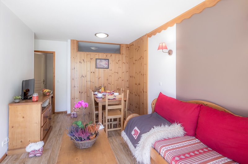 Sit back and relax in our cozy and rustic apartment in Les Orres 1800!