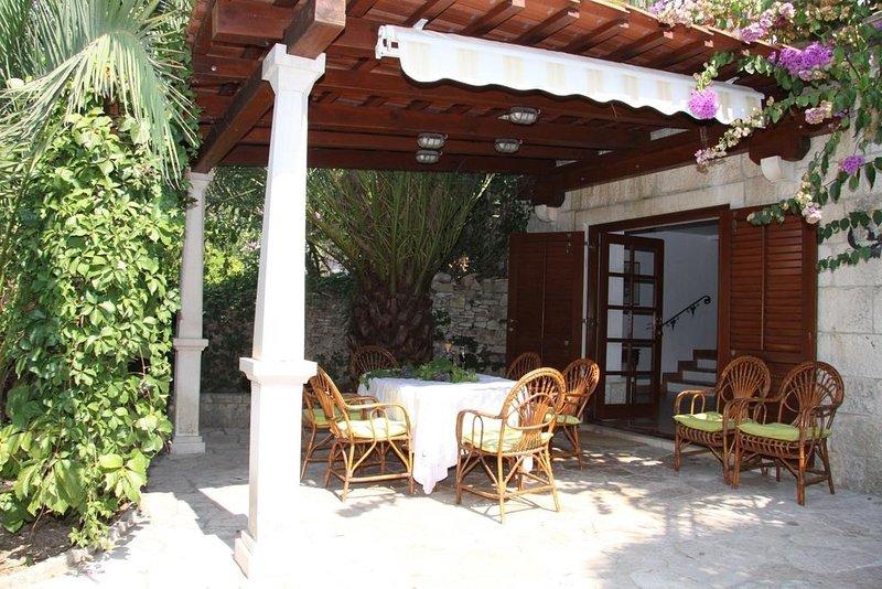 Davor H(7+2) - Sutivan, location de vacances à Sutivan