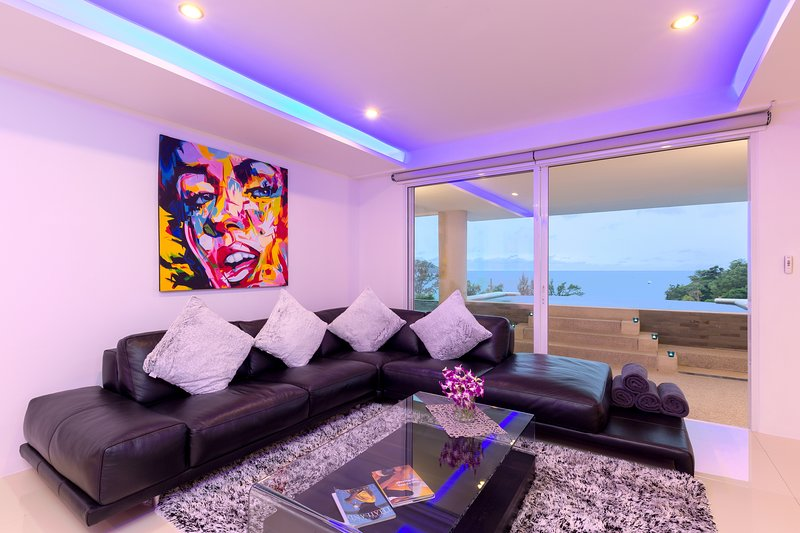 5 minute walk to the beach private pool seaview penthouse, holiday rental in Kata Beach