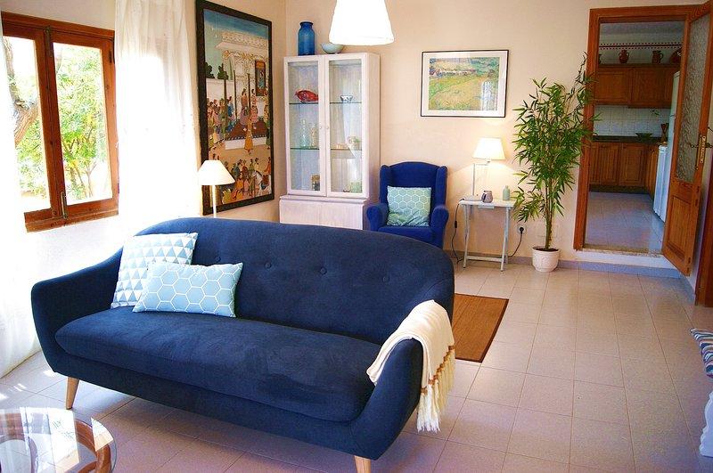 Encantadora casa a 50m del mar´en Son Serra, 12pers, 6 dormitorios, 3 baños, holiday rental in Son Serra de Marina
