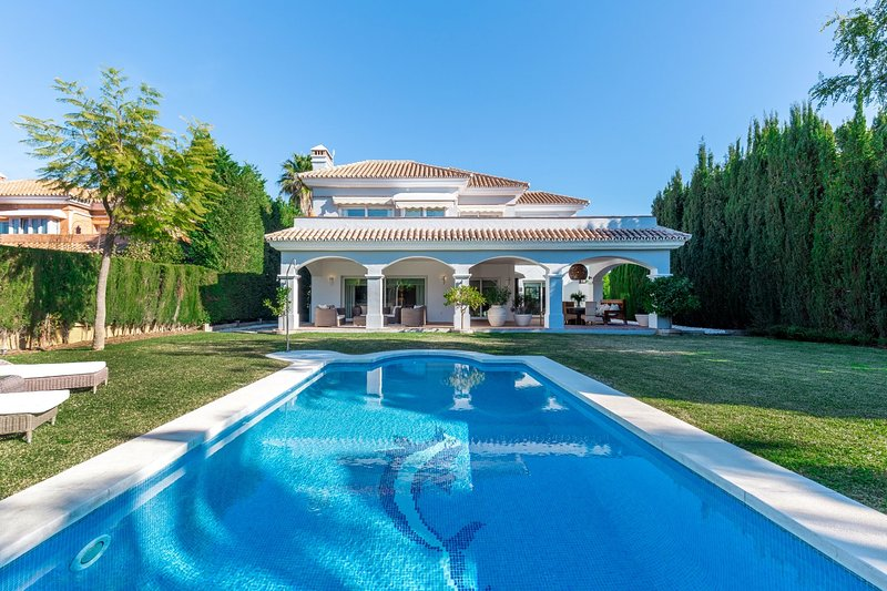 Comfortable family home in Nueva Andalucia, vacation rental in Istan