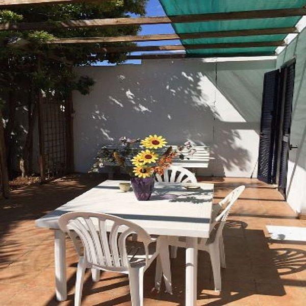 Villetta vicino spiaggia 4 posti letto a San Foca- LL44, holiday rental in San Foca