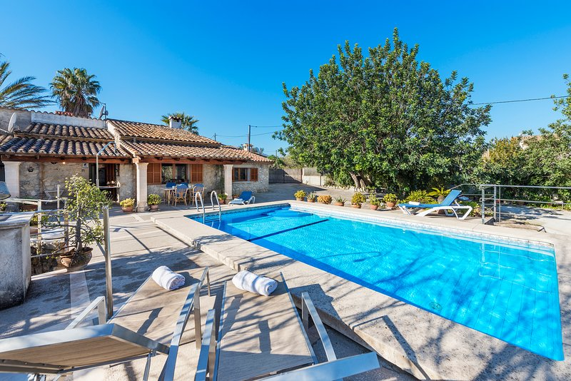 LAST MIN OFFER 60%OFF! BEAUTIFUL MALLORCAN STYLE VILLA 2 BEDROOMS+PRIVATE POOL. Chalet in Puerto Pollensa