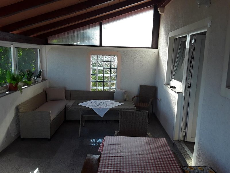 Krase Apartment Sleeps 4 with Air Con - 5646920, vacation rental in Valica