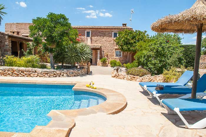 s'Horta Farmhouse Sleeps 8 with Pool and WiFi - 5000706, aluguéis de temporada em S' Horta
