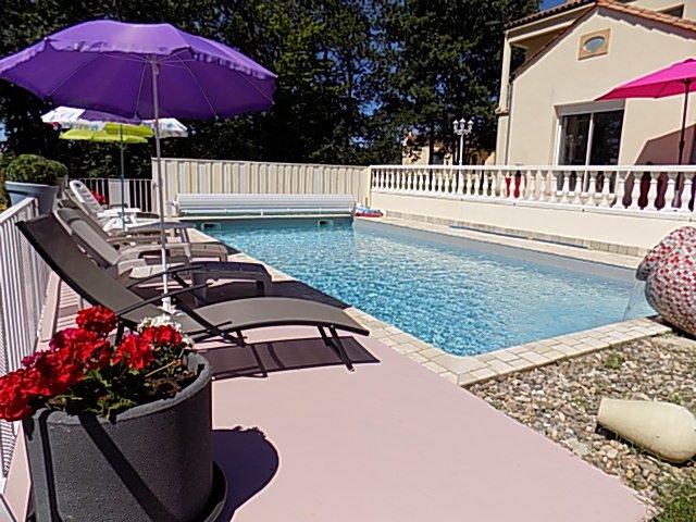 belle maison avec piscine privée à 3 km de Sarlat la Caneda, vacation rental in Saint-Andre-d'Allas