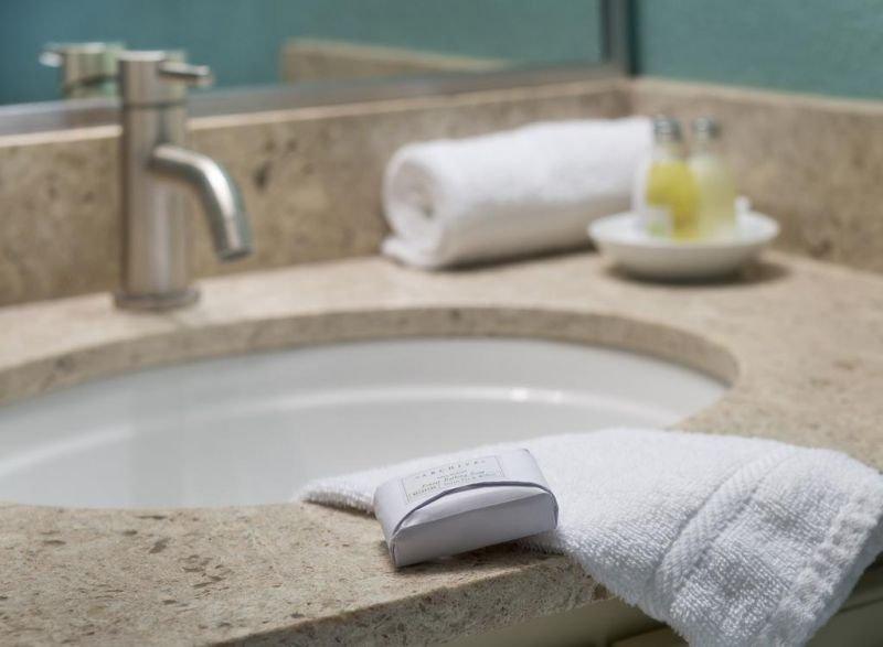 Salle de bain avec le kit essentiel fourni!