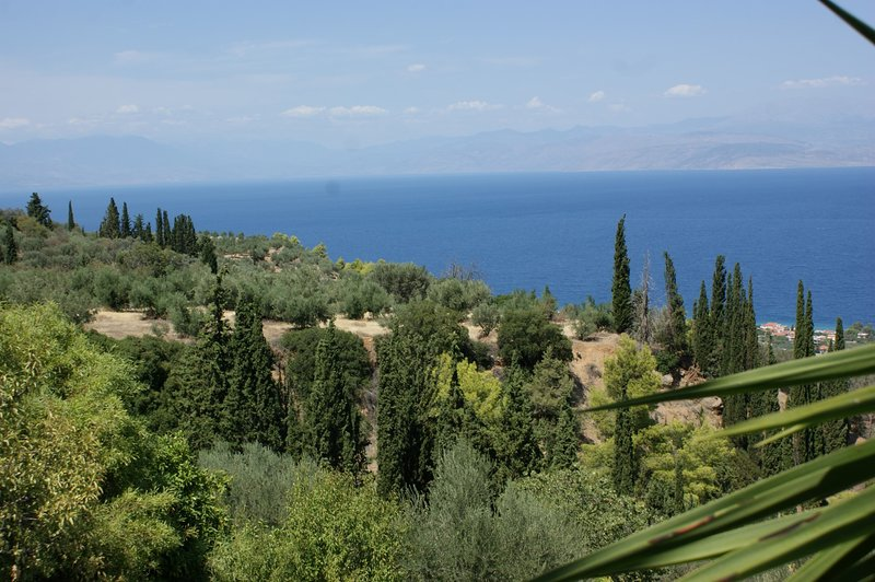 ARTISTS COUNTRY HOUSE WITH AMAZING VIEW, casa vacanza a Xylokastro