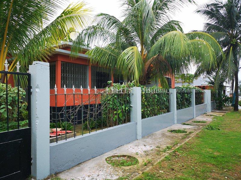 Monteiro Paradise Apartment, vacation rental in Sao Tome Island