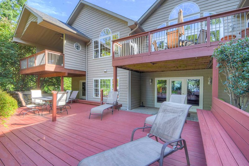 This gorgeous estate offers 3 furnished decks and a screened-in lanai.