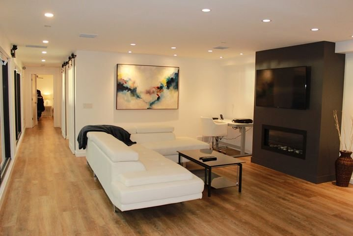 Surprising Ultra Modern Luxury Condo In The Heart Of Downtown Updated Home Interior And Landscaping Mentranervesignezvosmurscom