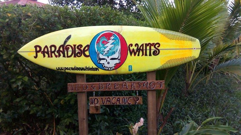 Paradise Waits Hotel, holiday rental in Bluff Beach