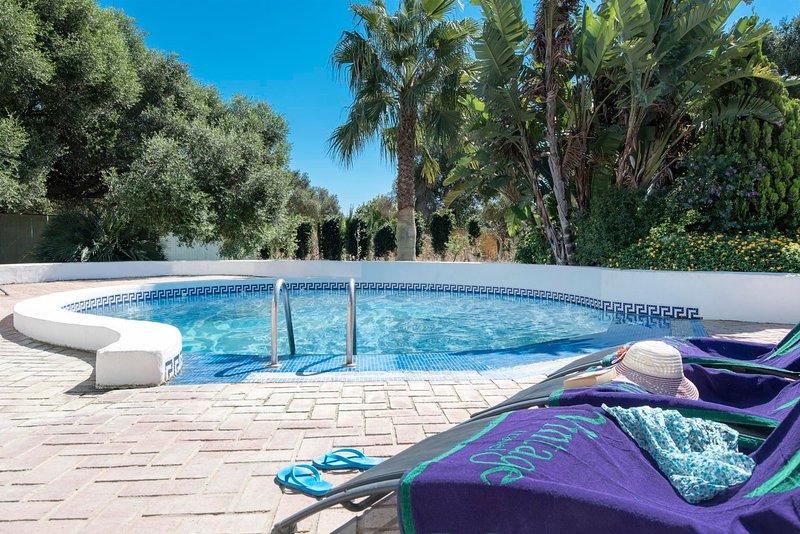La Zahora Villa Sleeps 8 with Pool and WiFi - 5604489, alquiler de vacaciones en Barbate