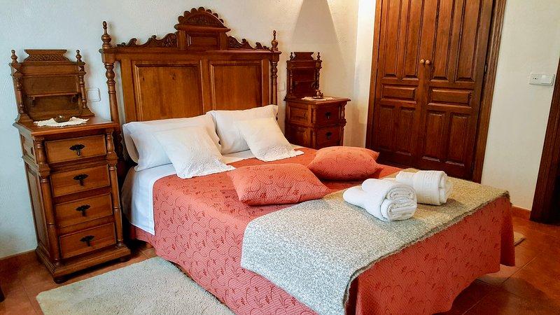 RUBÓ - NIU-Vistas a la Sierra del Cuera - Especial familias con niños, holiday rental in Alles