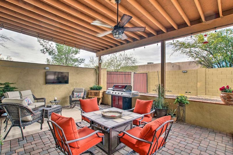 Enjoy the large private patio along with Bbq and outdoor smart TV. You miss any of the big games!