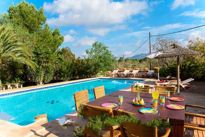 Cas Concos Farmhouse Sleeps 6 with Pool Air Con and WiFi - 5000830, holiday rental in Cas Concos
