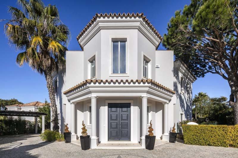 Almancil Villa Sleeps 13 with Pool Air Con and WiFi - 5767502, location de vacances à Vale do Garrao