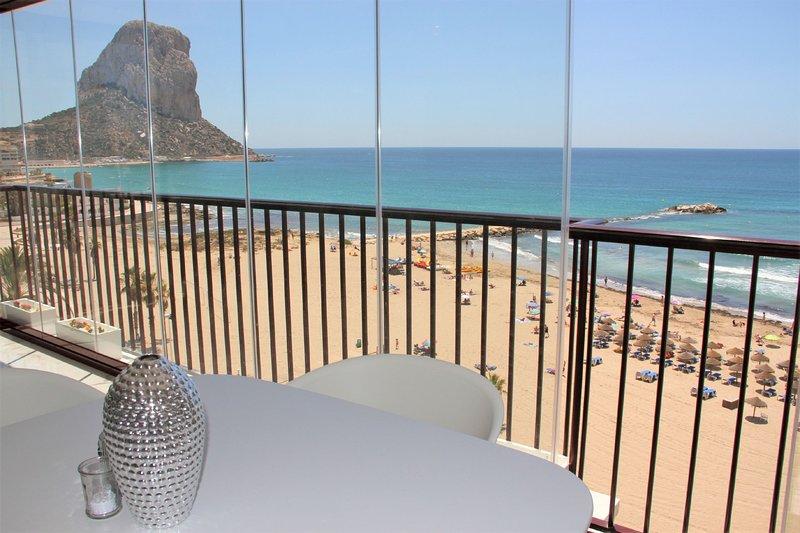 APLAYAMAR7-1ºlínea Playa-Wifi y Garaje Gratis., holiday rental in Calpe