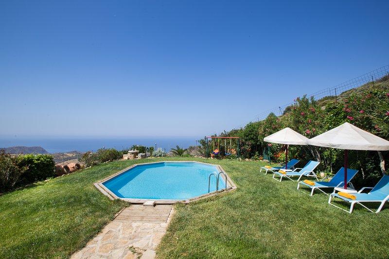 Triopetra Villas - Stone made buildings with spectacular views, location de vacances à Xilokampos