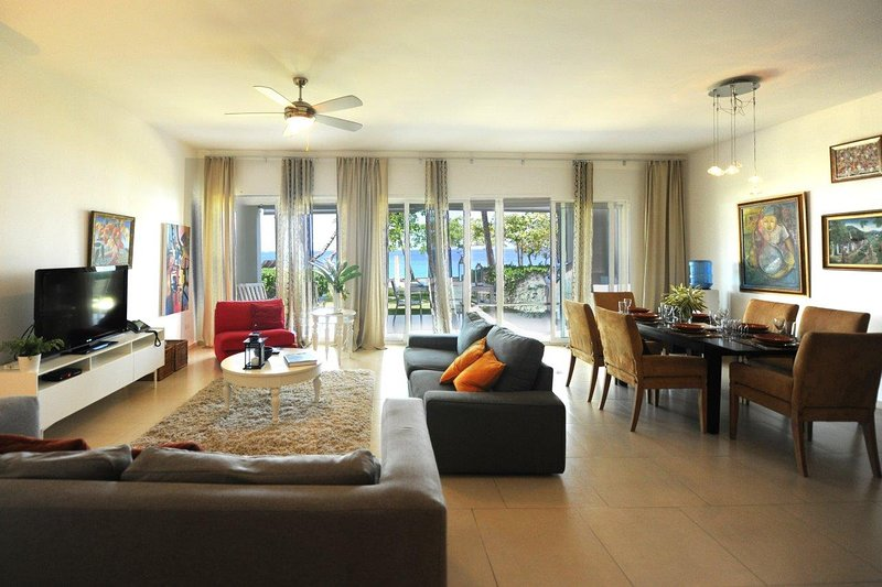 Infiniti Blu Caribbean  Beachfront Condo with  Spectacular Views, vacation rental in Sosua